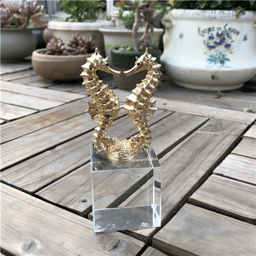 K9 Crystal Table Decoration with Golden Hippocampus