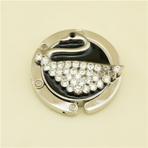 Metal bag hanger / wedding favor pearls bag hanger